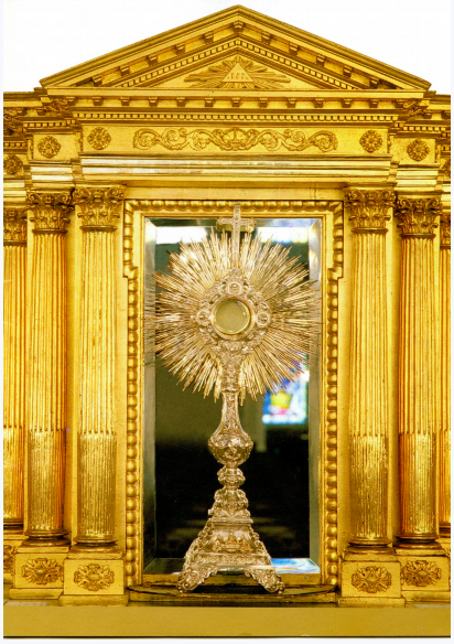 Comme toutes les églises paroissiales du Québec, l'église NotreDame-de-la-Victoire de Lévis, demeure l'édifice le plus important de la communauté. Des œuvres d'art et d'histoire de mémoire enracInée, (Brochure sur le monument signé par l'auteur et publié en 2004)